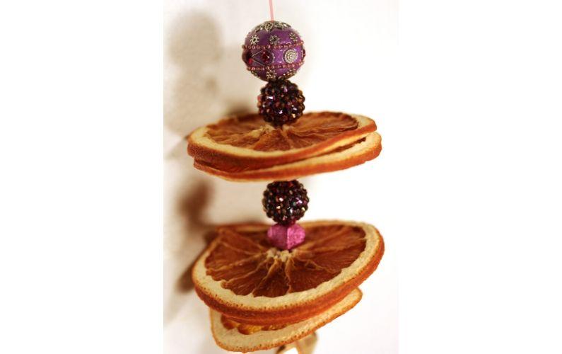 Dried orange slices for decoration